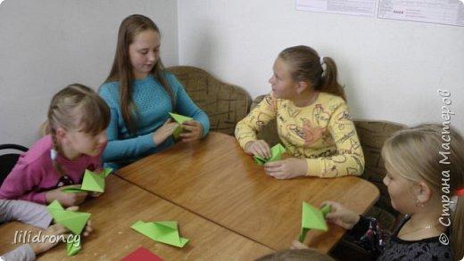 К 100-летию революции на работе проводила с детьми мастер класс по изготовлению будёновки. фото 7