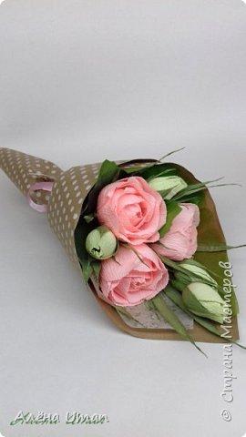 Здравствуйте!корзина с розами и черникой,когда делала очень старалась,наверно поэтому результатом я довольна (редко бывает)Листочки впервые сделала из гофры,смотрится здорово! фото 13