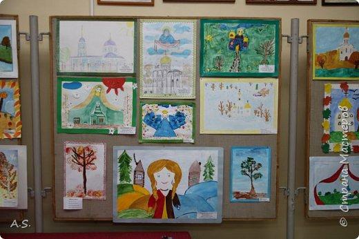 И снова выставка детских работ, посвященная празднику Покрова Пресвятой Богородицы.  фото 8