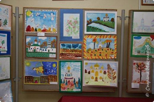 И снова выставка детских работ, посвященная празднику Покрова Пресвятой Богородицы.  фото 9
