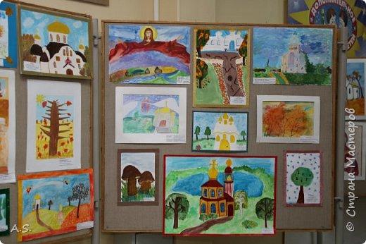 И снова выставка детских работ, посвященная празднику Покрова Пресвятой Богородицы.  фото 10