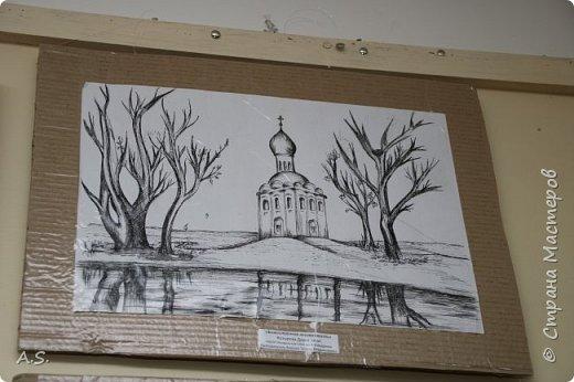 И снова выставка детских работ, посвященная празднику Покрова Пресвятой Богородицы.  фото 6