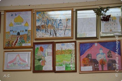 И снова выставка детских работ, посвященная празднику Покрова Пресвятой Богородицы.  фото 12