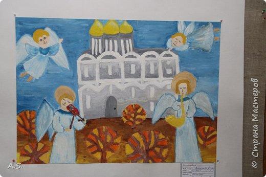 И снова выставка детских работ, посвященная празднику Покрова Пресвятой Богородицы.  фото 5