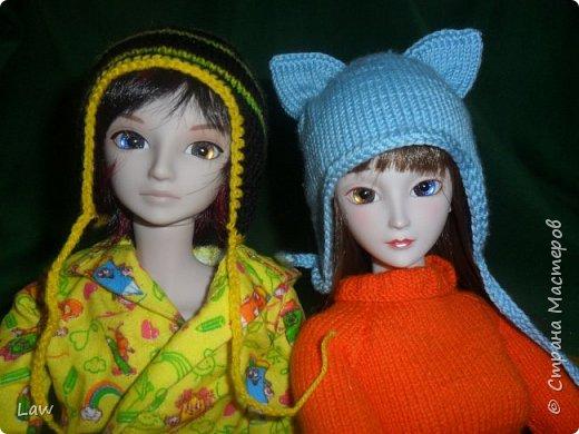 утепляемся к зиме. навязли шапочки! и 2 пончо для кукольных подружек  к новому году в подарок!) фото 2