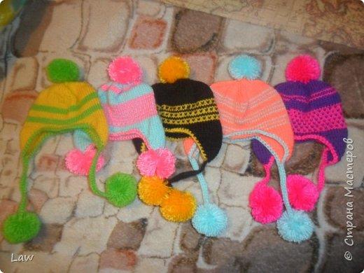 утепляемся к зиме. навязли шапочки! и 2 пончо для кукольных подружек  к новому году в подарок!) фото 3
