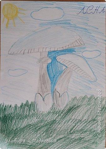 Очень быстро пролетела первая четверть. Оглянулась назад.... как много мы оказывается говорили на разные темы и очень много рисовали!!! Обо всём на свете!!! Например, о растениях и животных, которые нуждаются в охране и занесены в Красную Книгу. Или рассказали друг-другу о наших домашних питомцах, о том какие  животные и растения нам нравятся. фото 19