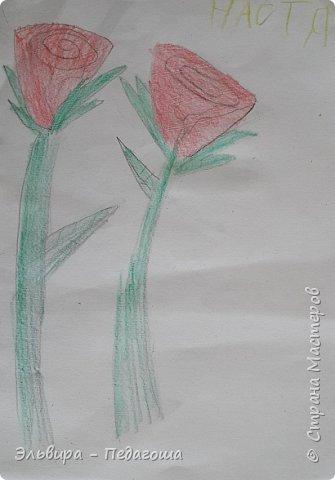 Очень быстро пролетела первая четверть. Оглянулась назад.... как много мы оказывается говорили на разные темы и очень много рисовали!!! Обо всём на свете!!! Например, о растениях и животных, которые нуждаются в охране и занесены в Красную Книгу. Или рассказали друг-другу о наших домашних питомцах, о том какие  животные и растения нам нравятся. фото 17