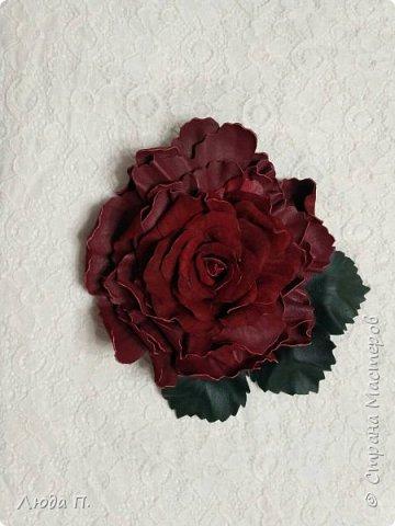 Доброго времени суток! У меня сегодня опять украшения из кожи. 1. Брошь заколка бордовая роза фото 2