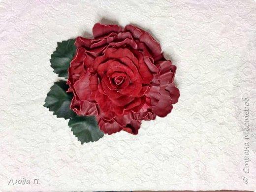 Доброго времени суток! У меня сегодня опять украшения из кожи. 1. Брошь заколка бордовая роза фото 3