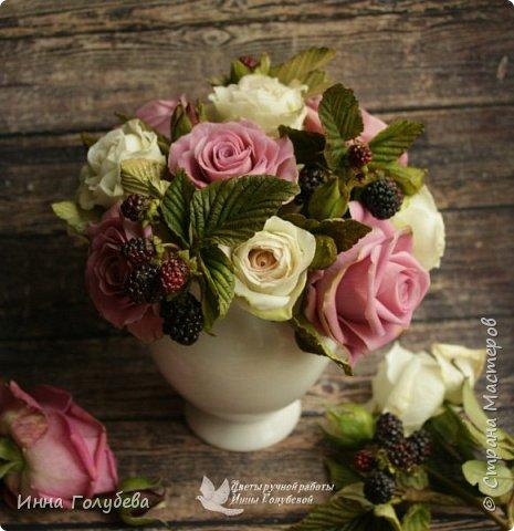 Композиция из роз и ежевики. Холодный фарфор. фото 8