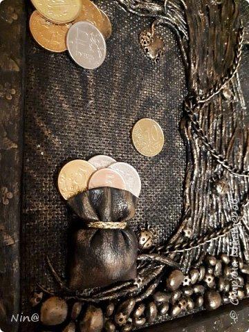 """Всем доброго времени суток! Это """"Денежное дерево"""" я сделала в подарок.  Огромное спасибо всем мастерам за подробный мастер-класс!!! Тани Сорокиной в МК скручивания жгутиков (http://stranamasterov.ru/node/308701), m_a_r_i_n_a http://stranamasterov.ru/node/578436?c=favorite_c. Размер панно-картины 30х45. Описание символики можно прочесть здесь - http://stranamasterov.ru/node/1088729 фото 9"""