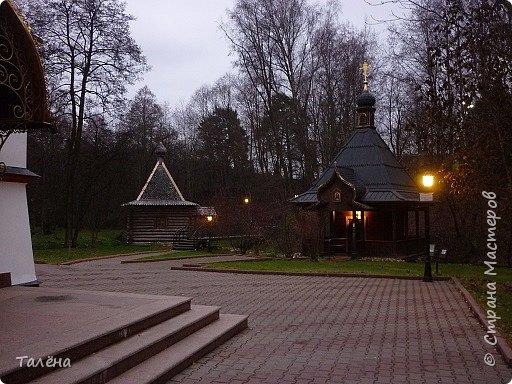 Село Талеж находится в Чеховском районе Московской области. При въезде в Талеж, со стороны с. Мелихово, от основной дороги отходит асфальтированная дорога, ведущая на автомобильную площадку. Далее пешком и мы видим..  фото 7