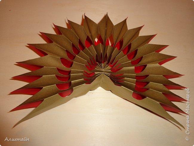 Праздничные украшения 3D из бумаги фото 27