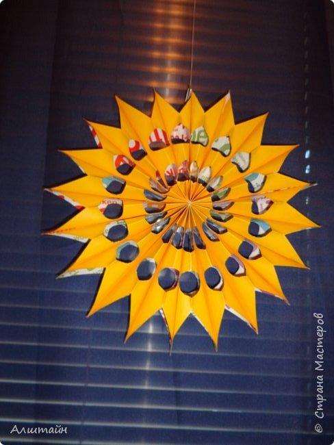 Праздничные украшения 3D из бумаги фото 30