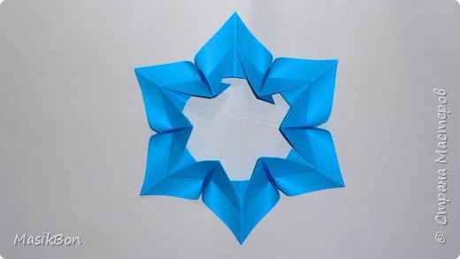 Новогодняя снежинка из бумаги. Оригами елочное украшение на Новый год 2018