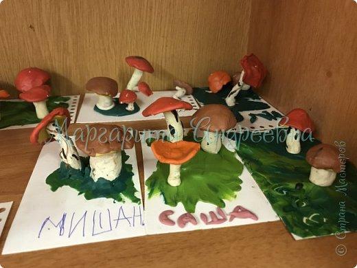 1) Совместная работа (мама+сынуля) в садик. Композиция «Под грибом» фото 9