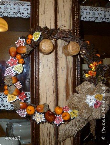 В последнее время я очень увлеклась изготовлением декоративных венков. Вот сделала несколько на осеннюю тему. фото 2