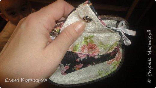 Эту сумочку я придумала для лета, когда у меня появилась лума. На ней связала цветочки, сшила сумочку и приделала ручку. фото 3