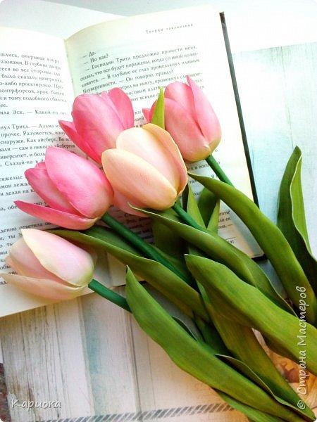 """"""" В моих снах цветы тают и распускается снег"""" ...  Мы все привыкли видеть тюльпаны весной, когда еще не сошел последний снег. Они как вестники весны очаровывают нас своей изящностью..   И сейчас, когда на улице холодная и слякотная осень, как никогда хочется весны, тепла и нежности) Так  почему бы  не подарить ее себе! фото 1"""