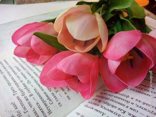 """"""" В моих снах цветы тают и распускается снег"""" ...  Мы все привыкли видеть тюльпаны весной, когда еще не сошел последний снег. Они как вестники весны очаровывают нас своей изящностью..   И сейчас, когда на улице холодная и слякотная осень, как никогда хочется весны, тепла и нежности) Так  почему бы  не подарить ее себе! фото 5"""