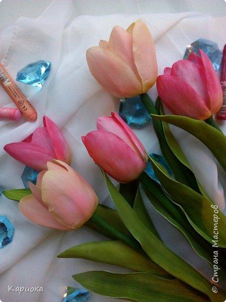 """"""" В моих снах цветы тают и распускается снег"""" ...  Мы все привыкли видеть тюльпаны весной, когда еще не сошел последний снег. Они как вестники весны очаровывают нас своей изящностью..   И сейчас, когда на улице холодная и слякотная осень, как никогда хочется весны, тепла и нежности) Так  почему бы  не подарить ее себе! фото 8"""