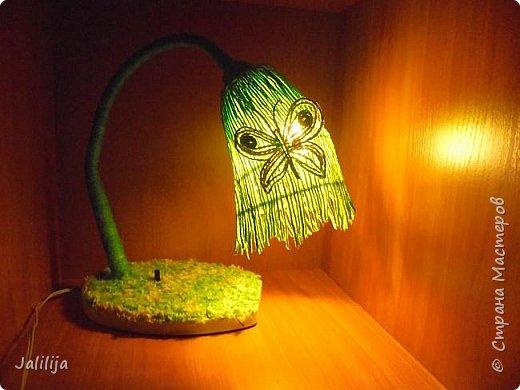 """Уважаемые мои гости, сегодня представляю вам лампу.Я ещё на стадии переезда из деревни в город, но когда есть свободная минута берусь за шпагат. А если честно, берусь за всё. Такую """"дежурную"""" настольную лампу хотела давно. Непременно зелёную. фото 13"""