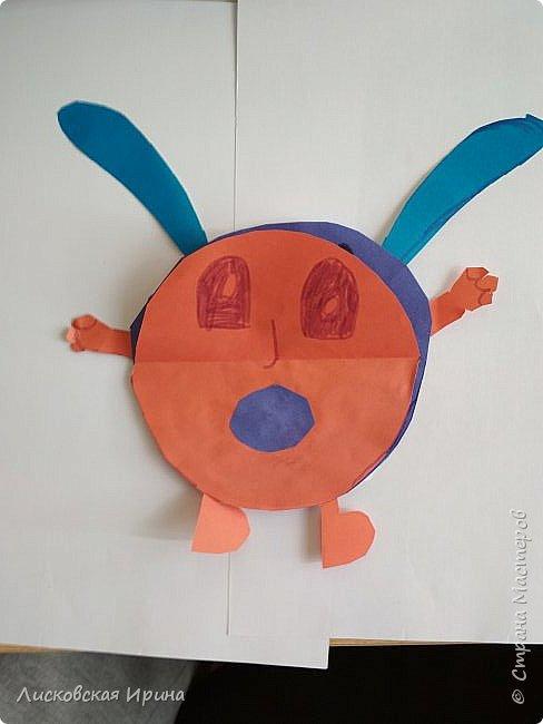 Привет Землянам! делали с детьми поделку из кругов. Получились такие вот инопланетяне. Это барышня фото 10