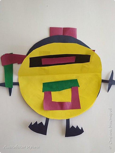 Привет Землянам! делали с детьми поделку из кругов. Получились такие вот инопланетяне. Это барышня фото 13