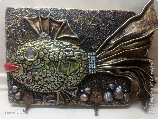 всем привет! у меня опять кожа! увидела  у  Галины   ( gal4enok  )  кожаные панно - рыбки  иииииии сон пропал! только у меня получилась девочка - рыбка..... фото 3