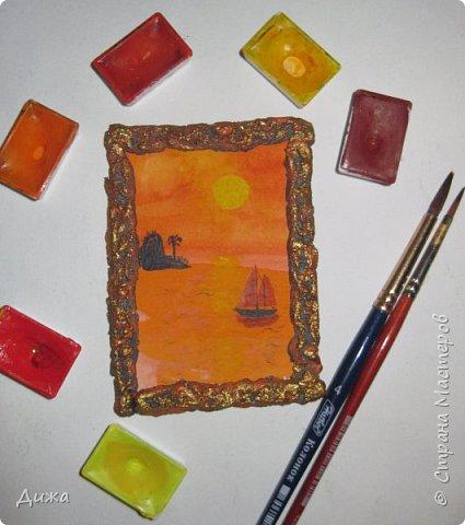 """Всем огромный приветик! Урааааааааааа, у меня каникулы начались, и я к вам с очередной серией АТС карточек """"Оранжево"""" называется.  Серия создалась благодаря моей любимой песенки """"Оранжевая песня"""". Вы знаете эту весёлую песню??? Послушайте как нибудь, сразу настроение поднимается!!!!!  Я должна АТС карточки мастерицам Элайджа http://stranamasterov.ru/user/399311 (за """"Бабочки""""), p_olya71 (Ольга) http://stranamasterov.ru/user/368861 (за """"Рыбки"""") Марии Соколовской http://stranamasterov.ru/user/346201 (за """"Гороскоп рыбы"""") и Мотюша  (Юлия) http://stranamasterov.ru/user/304978 (за """"Соловей мой"""") прошу их выбирать, если им понравиться. Если кому понравится серия, то могу сделать дополнительно, только не очень быстро получиться. Но пока я неделю дома сижу, думаю смогу :-)  Сохадзе Ирма (исполнитель) — «Оранжевая песня»  Автор текста (слов): Арканов А.  Композитор (музыка): Певзнер К.   Вот уже два дня подряд я сижу рисую Красок много у меня выбирай любую Я раскрашу целый свет В самый свой любимый цвет     фото 4"""