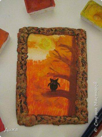 """Всем огромный приветик! Урааааааааааа, у меня каникулы начались, и я к вам с очередной серией АТС карточек """"Оранжево"""" называется.  Серия создалась благодаря моей любимой песенки """"Оранжевая песня"""". Вы знаете эту весёлую песню??? Послушайте как нибудь, сразу настроение поднимается!!!!!  Я должна АТС карточки мастерицам Элайджа http://stranamasterov.ru/user/399311 (за """"Бабочки""""), p_olya71 (Ольга) http://stranamasterov.ru/user/368861 (за """"Рыбки"""") Марии Соколовской http://stranamasterov.ru/user/346201 (за """"Гороскоп рыбы"""") и Мотюша  (Юлия) http://stranamasterov.ru/user/304978 (за """"Соловей мой"""") прошу их выбирать, если им понравиться. Если кому понравится серия, то могу сделать дополнительно, только не очень быстро получиться. Но пока я неделю дома сижу, думаю смогу :-)  Сохадзе Ирма (исполнитель) — «Оранжевая песня»  Автор текста (слов): Арканов А.  Композитор (музыка): Певзнер К.   Вот уже два дня подряд я сижу рисую Красок много у меня выбирай любую Я раскрашу целый свет В самый свой любимый цвет     фото 6"""