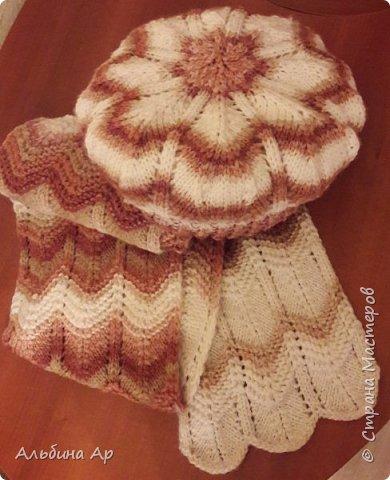 Продолжаю вспоминать вязание! Кофточка для дочки. Нитки так и продавались в одном мотке. Ушло на 48 размер грамм 450-500. фото 2