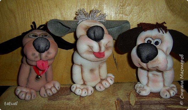 Всем доброго времени дня! Сегодня я со своим собачьим коллективом, вполне добрым и крайне позитивным! Создала разные собачьи образы на кухонных лопаточках. фото 6