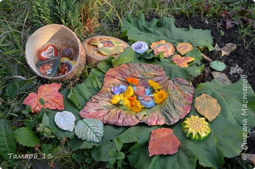 Этой осенью увлеклась гипсом. По мастер-классам Страны Мастеров научилась делать гипсовые слепки с живых листьев, аромокамни, круглые коробки на банках.Фото много, но, я думаю, они порадуют ваш глаз яркими красками осени. фото 11