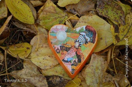 Этой осенью увлеклась гипсом. По мастер-классам Страны Мастеров научилась делать гипсовые слепки с живых листьев, аромокамни, круглые коробки на банках.Фото много, но, я думаю, они порадуют ваш глаз яркими красками осени. фото 14