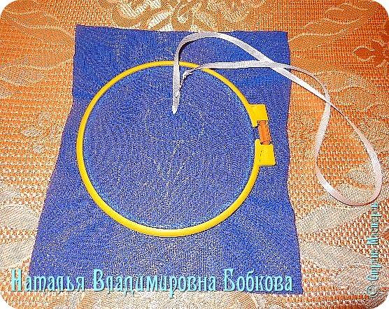Мастер-класс  по изготовлению  картины  «Романтическая ромашка»  из атласных лент. фото 16