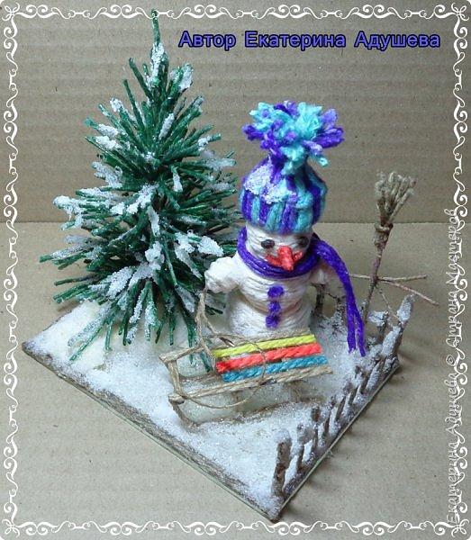Скоро Новый год, конечно подарки и  веселье.  Настроение праздничное решила немного  обновить а точнее сделать то что не успела в том году к этой работе, это снеговик.  фото 6
