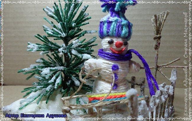 Скоро Новый год, конечно подарки и  веселье.  Настроение праздничное решила немного  обновить а точнее сделать то что не успела в том году к этой работе, это снеговик.  фото 4
