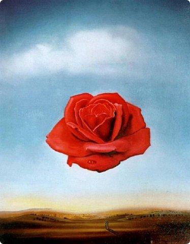 Сальвадор Дали (1904 - 1989) — испанский живописец. Дали – гений во всех отношениях. Это не только великолепный художник, но и непревзойденный скульптур, писатель, а также график и режиссер. Дали – один из самых ярких представителей сюрреализма в живописи. Его известности способствовало, конечно, оригинальное творчество, а также своеобразный стиль поведения. Еще в детстве Сальвадор был непоседливым и капризным ребенком, который привык добиваться своего и привлекать внимания окружающих, что непременно отразилось в его работах. И во время учебы живописи в академии, он постоянно экспериментирует и усовершенствует свое мастерство, пытаясь найти свой собственный стиль. Сюрреализм - это направление в искусстве, отличающееся использованием иллюзий и парадоксальных сочетаний форм, изображение чего-то не реального, не логичного, на уровне подсознания... Даже названия картинам Дали давал оригинальные: «Сон, вызванный полётом пчелы вокруг граната, за секунду до пробуждения» ))) фото 4