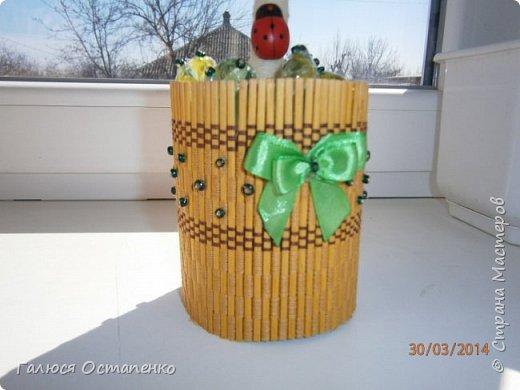 Крона дерева сделана из двух цветов салфеток,ствол обмотан нитью. фото 3