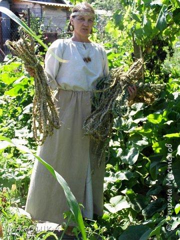 """на фестиваль """"Один день жизни средневекового города Укек"""" , на историческую площадку, пускали только при наличии """"правильного костюма"""" - пришлось пошиться! в этом костюме я и была на средневековом базаре с травяными веревками, травами-чаями, костяными иголками, моя роль - славянка 13 века   фото 2"""