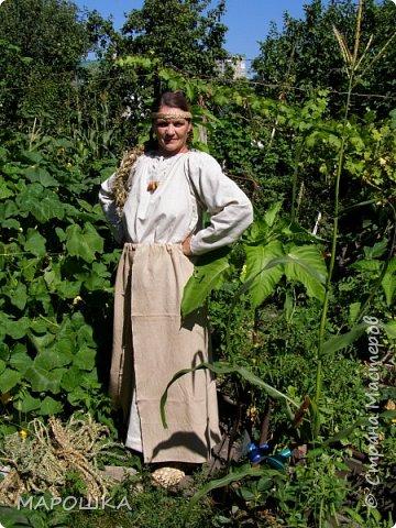 """на фестиваль """"Один день жизни средневекового города Укек"""" , на историческую площадку, пускали только при наличии """"правильного костюма"""" - пришлось пошиться! в этом костюме я и была на средневековом базаре с травяными веревками, травами-чаями, костяными иголками, моя роль - славянка 13 века   фото 3"""