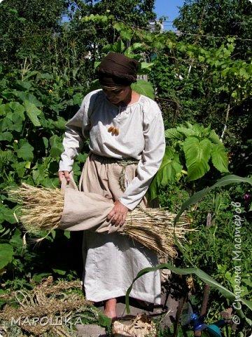 """на фестиваль """"Один день жизни средневекового города Укек"""" , на историческую площадку, пускали только при наличии """"правильного костюма"""" - пришлось пошиться! в этом костюме я и была на средневековом базаре с травяными веревками, травами-чаями, костяными иголками, моя роль - славянка 13 века   фото 4"""