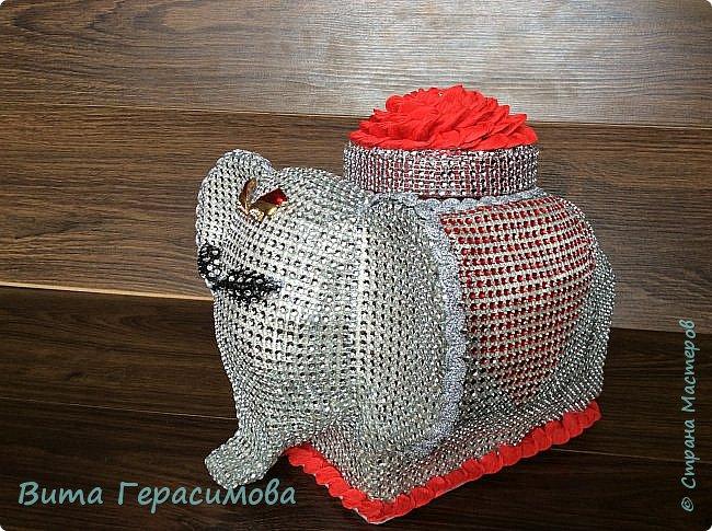 Вот такая слониха хранительница конфет  у меня получилась) фото 6