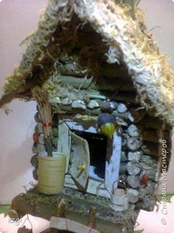 """Всем.привет) Избушку """"слизала"""" у Иринки, которая живёт здесь - http://stranamasterov.ru/user/313584 Её работы очаровывают.Свою избушку сделали для сына в школу. Мужу отдельное спасибо.До этого он строил только сараи для домашней скотины, причём, в натуральную величину))) А теперь, можно смело сказать, что построил дом) Пусть в одну комнату, но зато 36 квадратных.....сантиметров. А обустройством дома,уже занималась я, как и положено женщине))) фото 8"""