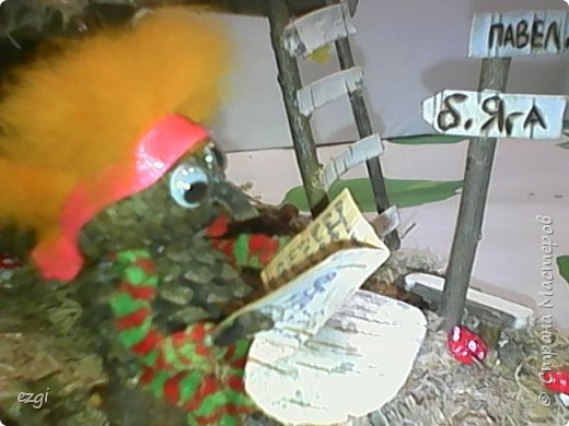 """Всем.привет) Избушку """"слизала"""" у Иринки, которая живёт здесь - https://stranamasterov.ru/user/313584 Её работы очаровывают.Свою избушку сделали для сына в школу. Мужу отдельное спасибо.До этого он строил только сараи для домашней скотины, причём, в натуральную величину))) А теперь, можно смело сказать, что построил дом) Пусть в одну комнату, но зато 36 квадратных.....сантиметров. А обустройством дома,уже занималась я, как и положено женщине))) фото 9"""