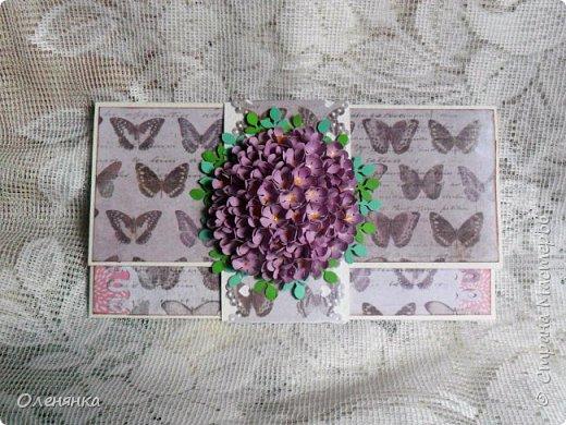 Добрый день жители Страны !  Ровно два месяца  назад  сделала последнюю запись в блоге  ,    ну что же буду исправлятся   .Сегодня у меня  10 конвертов  сделаных  за один день  ,  благо  был  запас цветочков . когда есть свободное время кручу потихоньку ,эксперементирую  с  формами  и цветом . фото 9