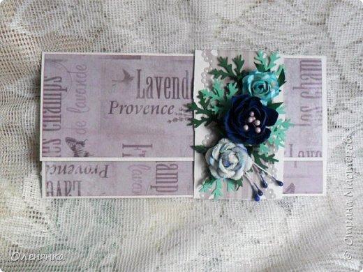 Добрый день жители Страны !  Ровно два месяца  назад  сделала последнюю запись в блоге  ,    ну что же буду исправлятся   .Сегодня у меня  10 конвертов  сделаных  за один день  ,  благо  был  запас цветочков . когда есть свободное время кручу потихоньку ,эксперементирую  с  формами  и цветом . фото 13