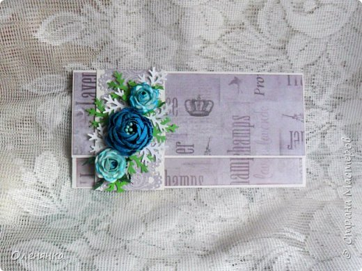 Добрый день жители Страны !  Ровно два месяца  назад  сделала последнюю запись в блоге  ,    ну что же буду исправлятся   .Сегодня у меня  10 конвертов  сделаных  за один день  ,  благо  был  запас цветочков . когда есть свободное время кручу потихоньку ,эксперементирую  с  формами  и цветом . фото 16